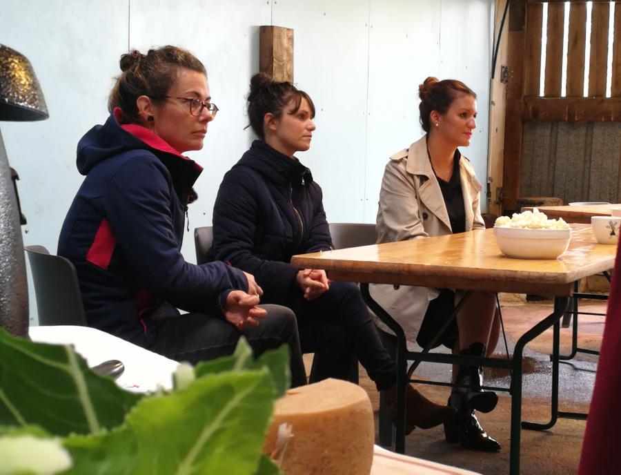 Marie Roland, Sandrine Le Feur et Marlène Schiappa à l'écoute de l'assistance (GAB, Les Engagées, réseau breton Agriculture au féminin